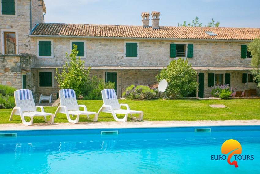 EUROTOURS VILLAS   Abortolami with pool and garden   Apartments