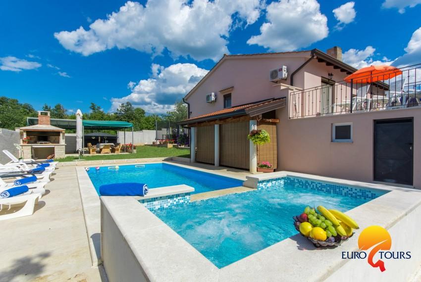 EUROTOURS VILLAS | Appartamento Leon con tre camere da letto con ...