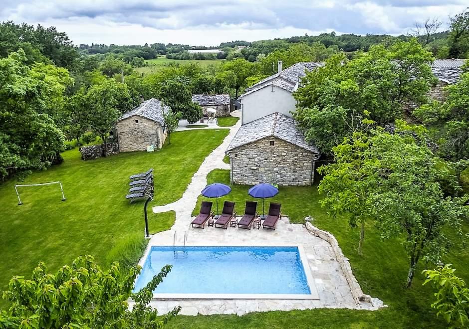 Attractive stone Villa M-Mate with pool - Privacy Guaranteed