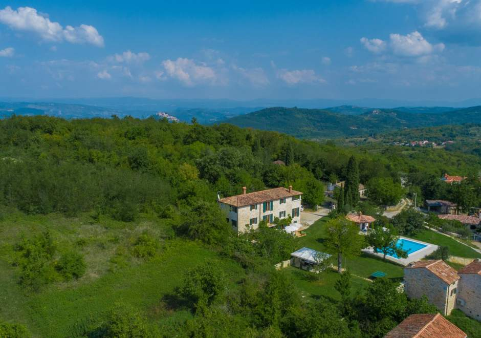 Villa Moncitta with heated pool - central Istria