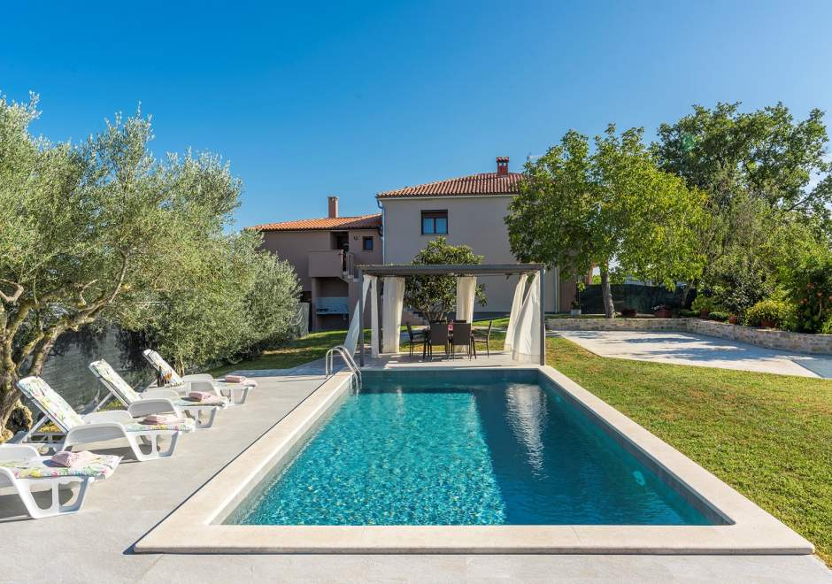 Holiday Home Terre Bianche with Private Pool - Grožnjan