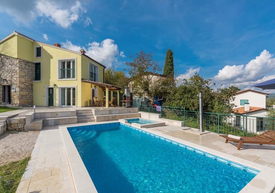 Villa Ana in Spinovci, view of Motovun