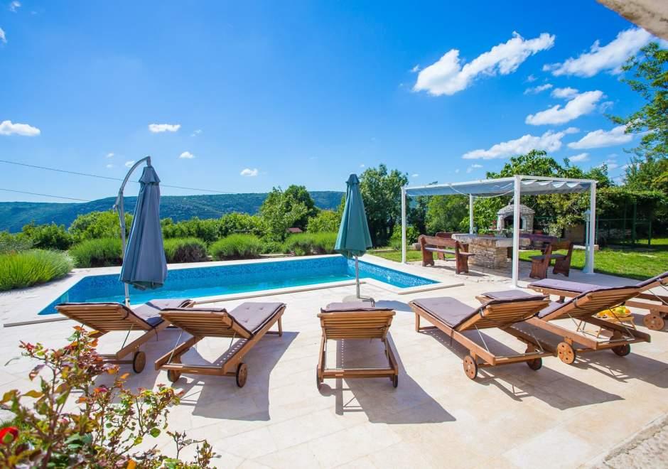 Villa Targeto with Sea View