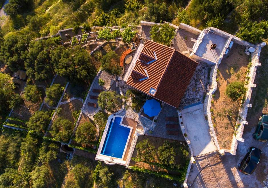 Villa Pina with private pool in Makarska
