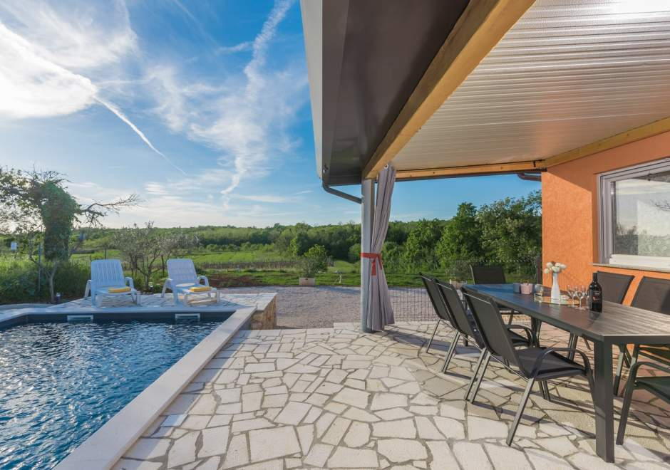Villa Pendolina with Private Pool and Jacuzzi