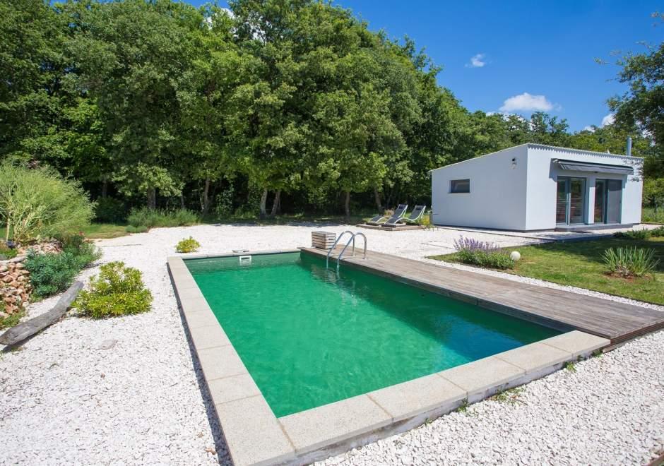Cottage House Loborika with Pool