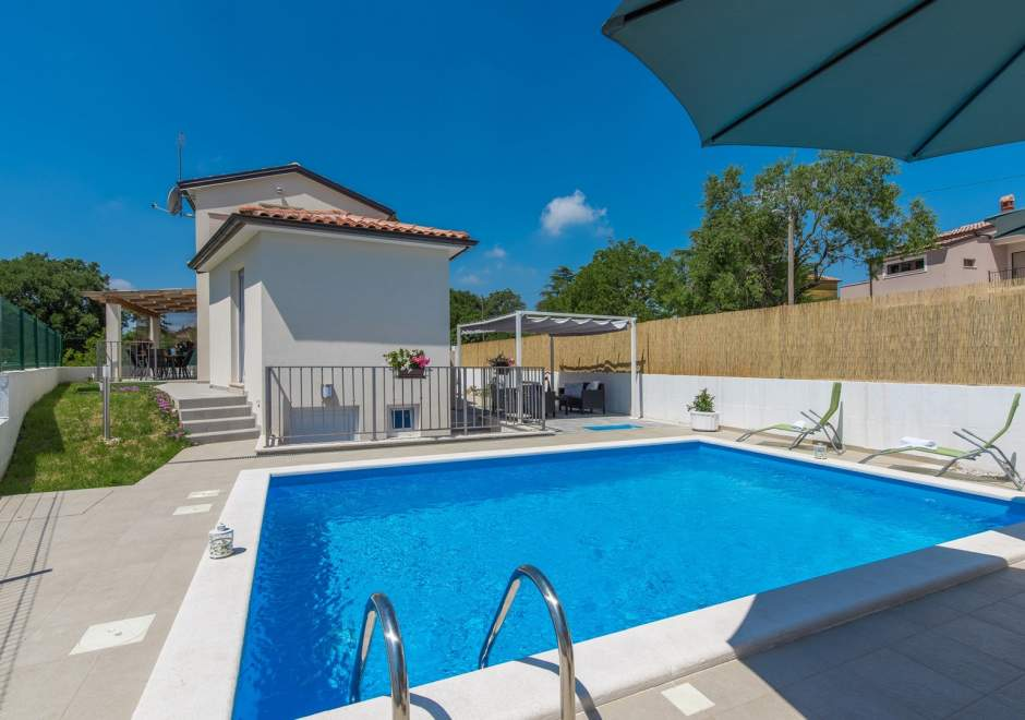 Newly built  and modern Villa Andrea with Pool near Rovinj