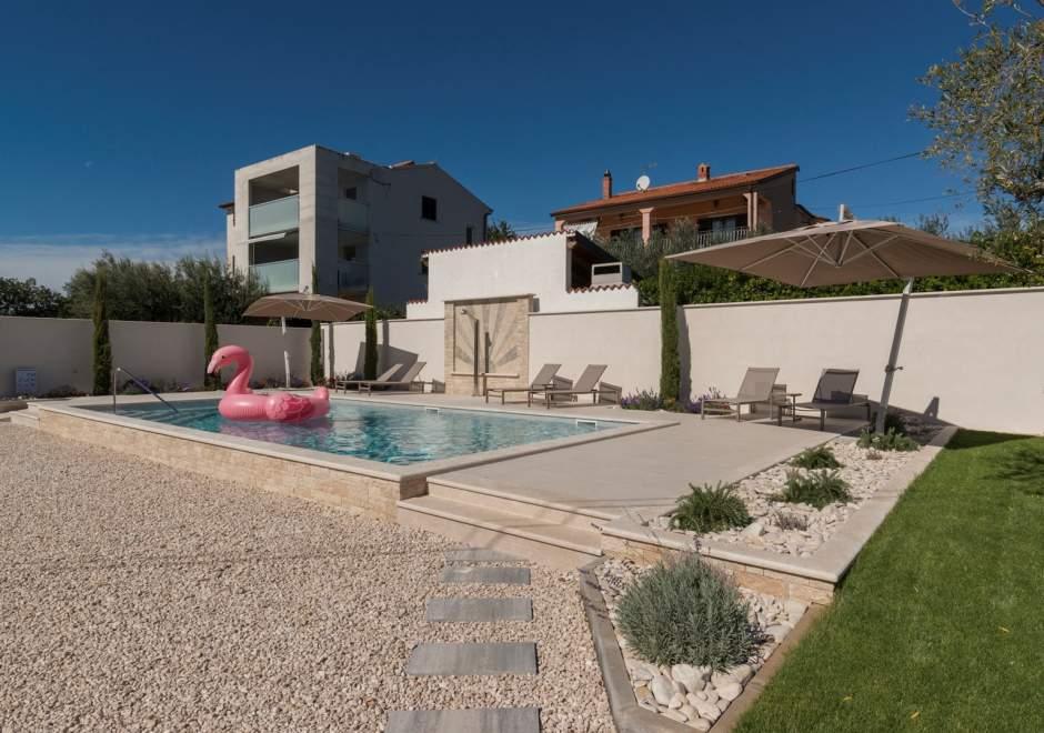 Villa Rosa con piscina, vicino alla spiaggia di Kanegra