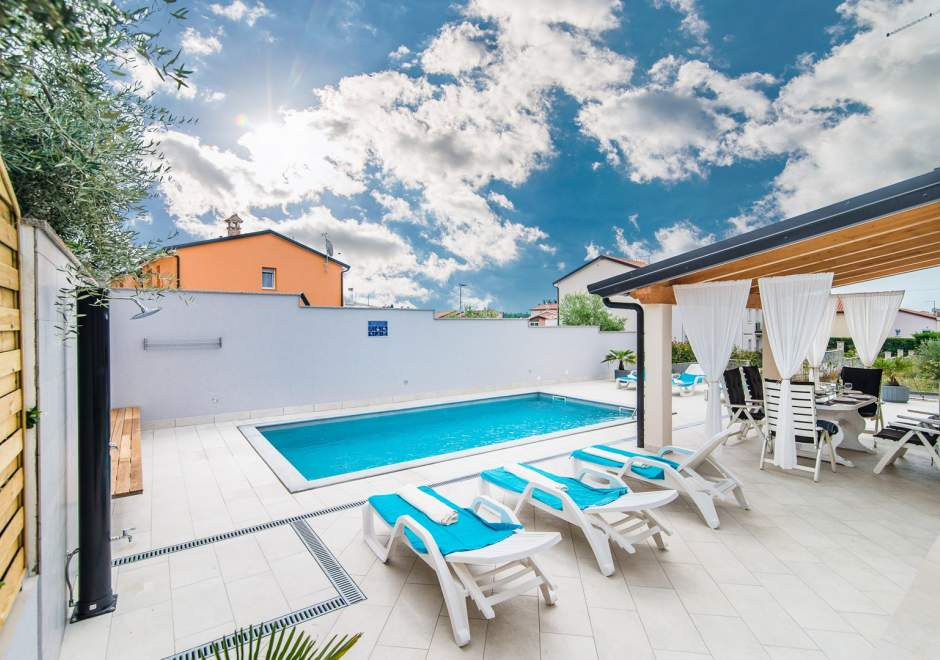 Newly built Villa Silver with Pool in Cittanova