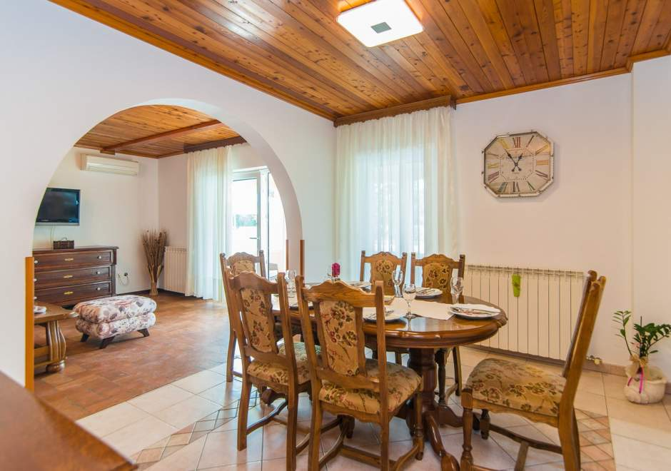 Beautiful Villa Ruza with Pool in Peaceful and Landscaped Garden