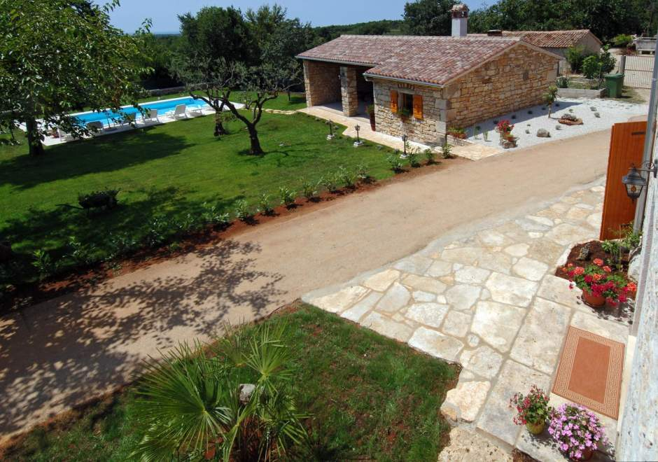 Holiday Home Tamaris with Pool in Strpacici