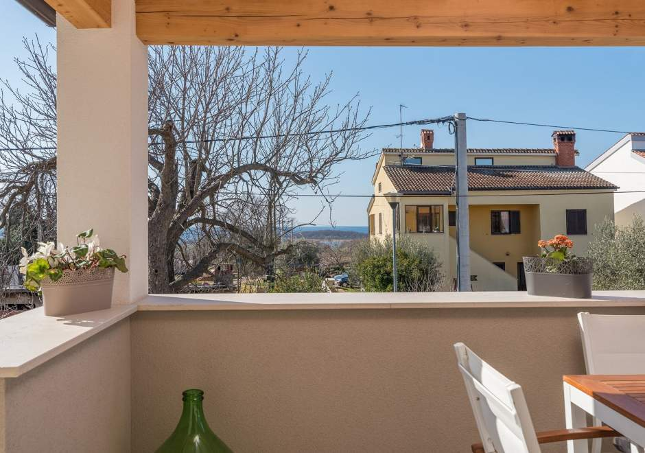 Apartment Romano with Sea View, near Poreč