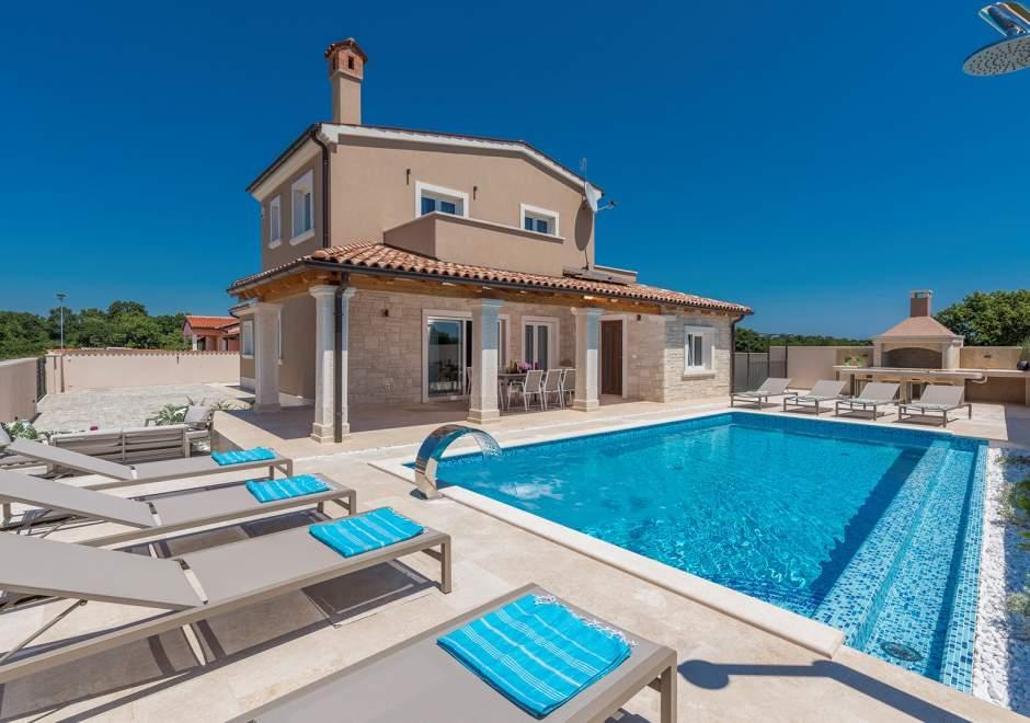 Villa Hana with Private Pool