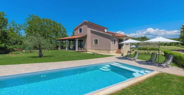 Holiday House Vita with Private Pool