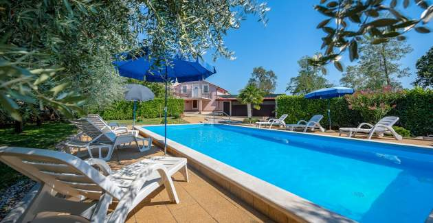 Holiday House Gianni with private pool