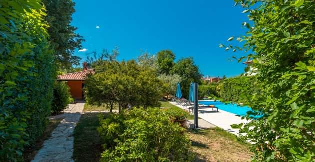 Holiday House Kosuta with Pool - Sveti Lovrec