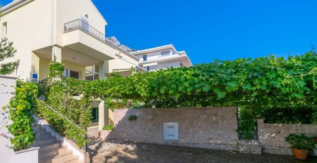 Villa Luna with private pool in Makarska
