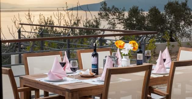 Villa Ribica with private pool in Makarska