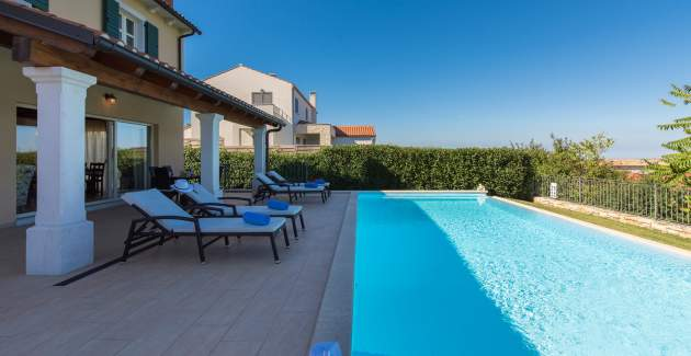 Villa Sana with Pool and Relaxing Panoramic View