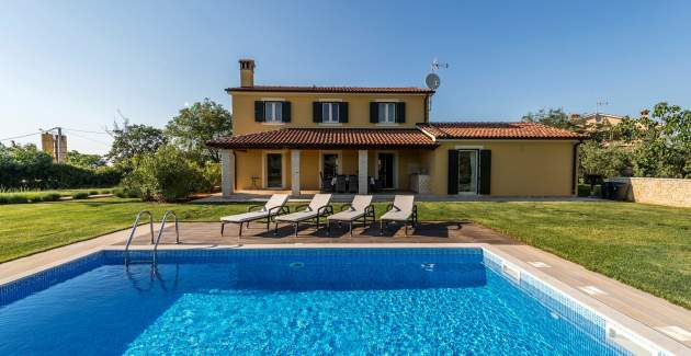 Villa Danelon with Pool and Olive Grove View