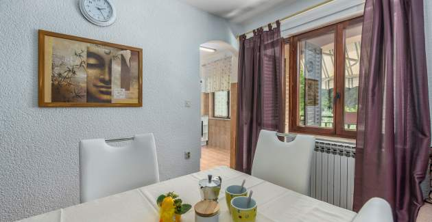 Cozy Apartment Rakovac IV with a Beautiful Shared Garden and BBQ