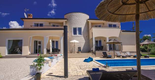 Luxury Villa Vista Fantastica with Pool and Garden