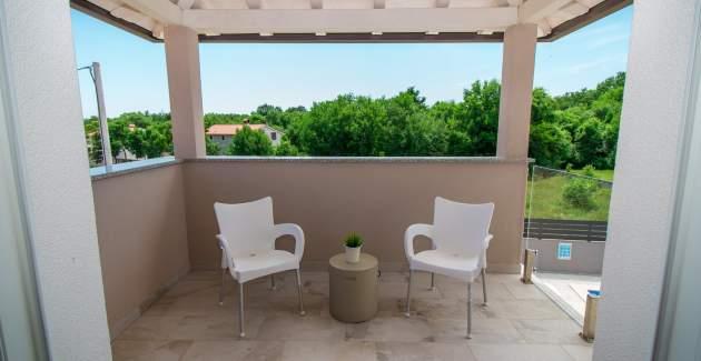 Gorgeous Villa Franka with Pool near Labin
