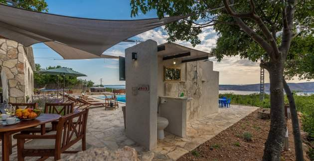 Villa Vicka with Panoramic View on Island of Rab