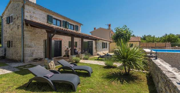 Villa Ana Rita with Jacuzzi and private Garden - NEW heated pool in 2020.
