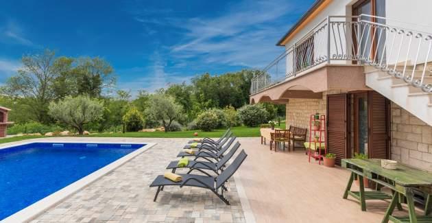 Villa Marina with Private Pool, near Porec