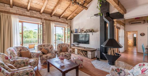 Charming Villa Lipica with Pool and Jacuzzi in central Istria