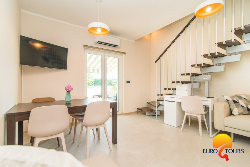 EUROTOURS VILLAS | Modern apartment with balcony on two floors Vet-Centar II A4 | Apartments & EUROTOURS VILLAS | Modern apartment with balcony on two floors Vet ...