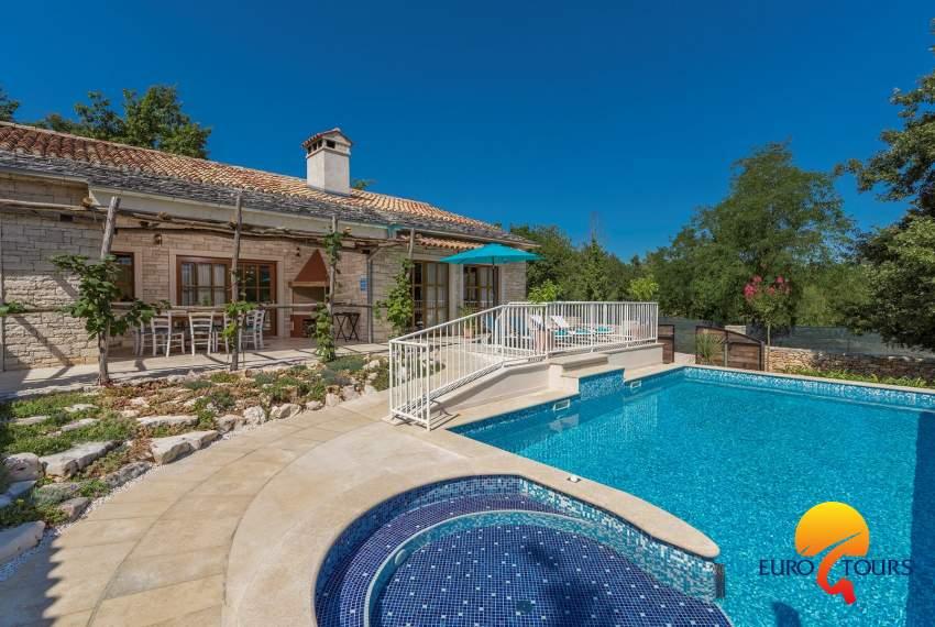 Villa Di Charme Lipica Con Piscina Privata E Giardino Grande Eurotours Villas