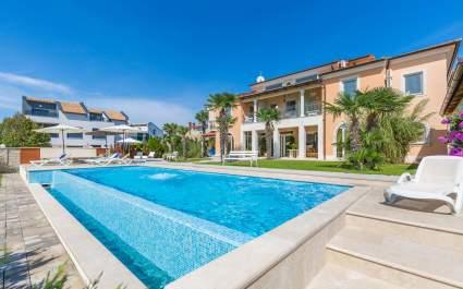 Ferienwohnung Fiorido White A2 in Villa Vizula