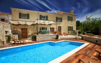 Villa Gelci s grijanim bazenom - Trget