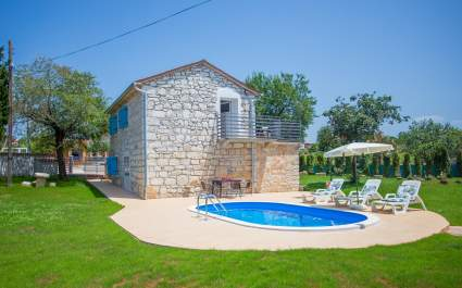 Villa Anima a newly built Stone house with Pool, near Porec, in a village Labinci