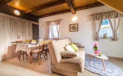 Holiday Home Ana Bubani