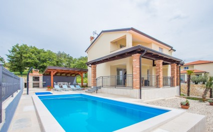 Newly built and modernly furnished Villa Hope I with Pool