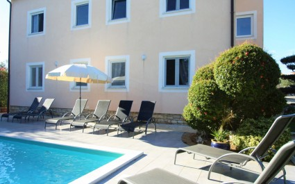 Two-Bedroom Apartment Maja I with Shared Pool