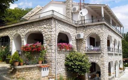 Two bedroom Apartment Biro Kestenovi A1
