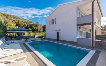 Villa Cvek - 150 m dal mare - piscina privata - Rovigno