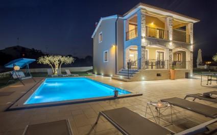 Villa Vanesa with Private Pool nearby Porec
