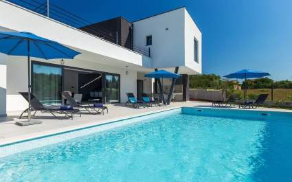 Villa Sunny Gimino with private pool