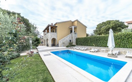 Villa Ladonja with Private Pool and Sauna