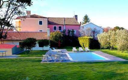 Kuća za odmor Flora sa privatnim bazenom