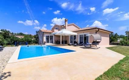 Villa Davide with Private Pool - Svetvincenat