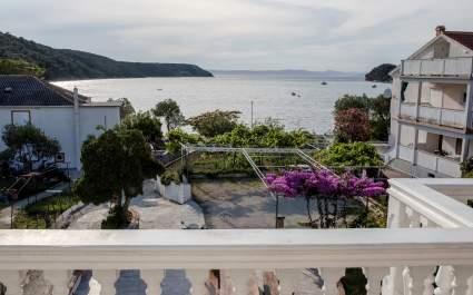 Apartments Marija Kampor - A2 with balcony and sea view