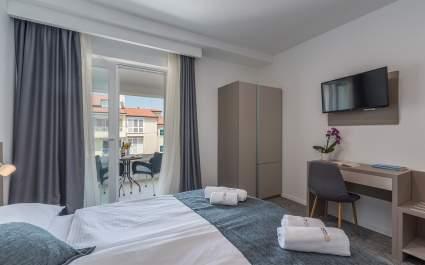 Villa Ladavac / Deluxe Double Room S8
