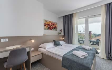 Villa Ladavac / Deluxe Double Room S10