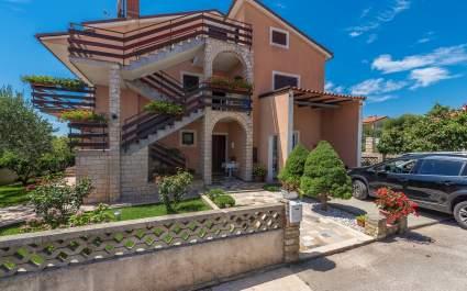 Apartments A2 with terrace- Novigrad